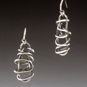 small bar earrings 1